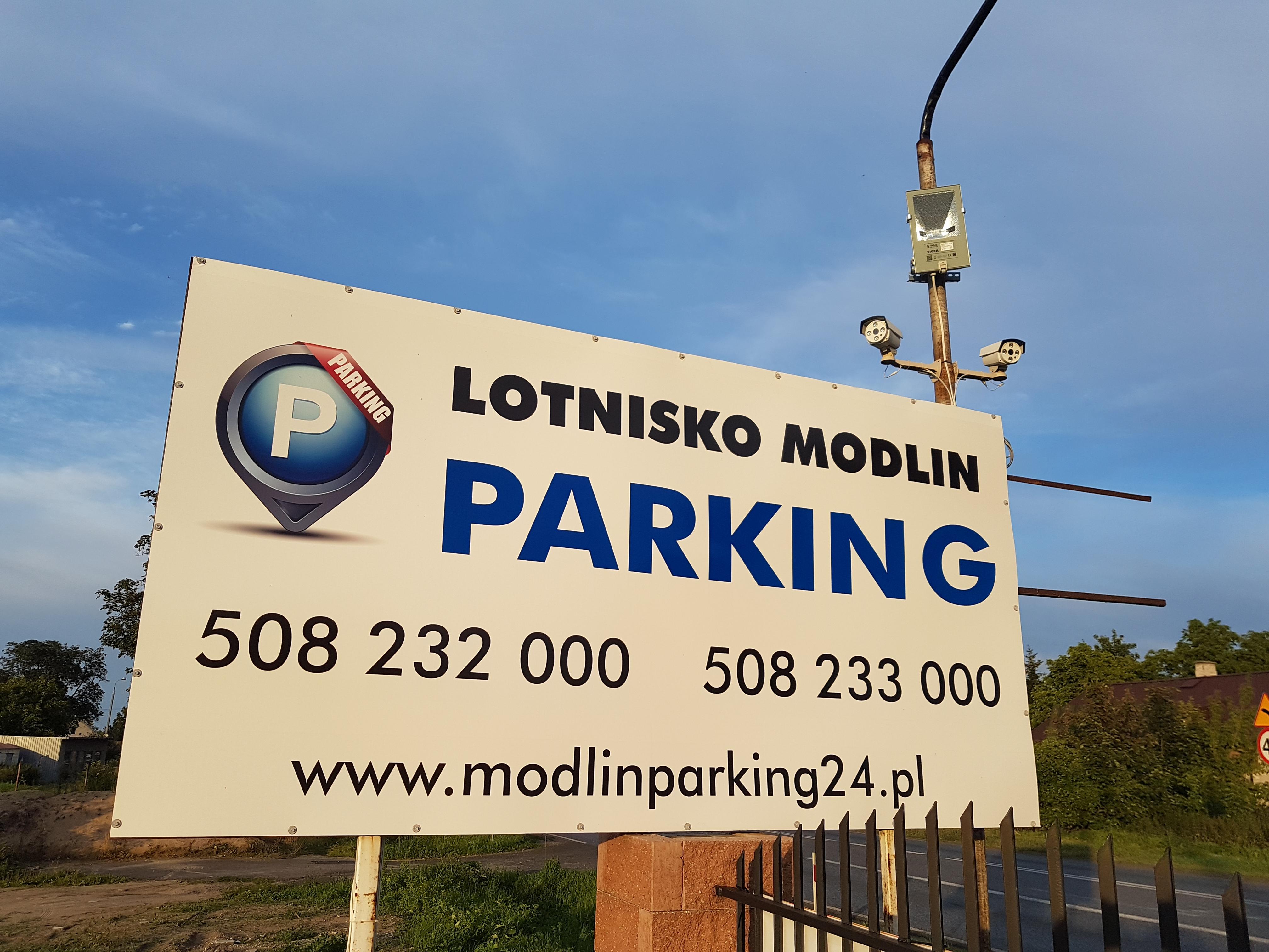 Parking Modlin P24