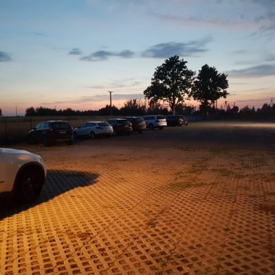 P24 Parking tył